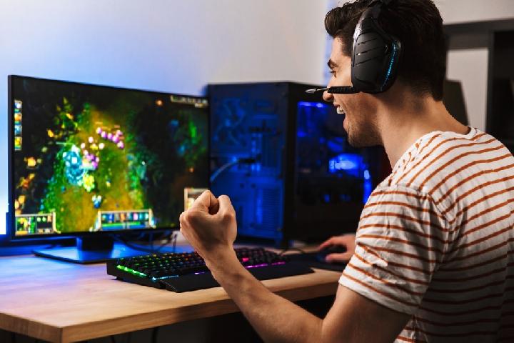 Best IKEA Desks For Gaming